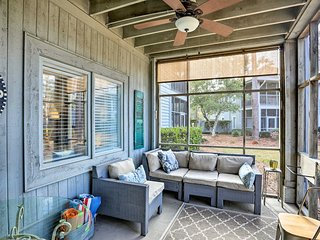 Charming Condo - 3 Miles to Cherry Grove Beach!