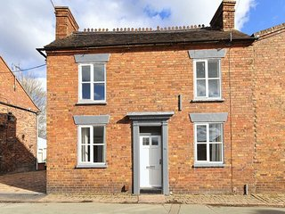 IRONBRIDGE 18TH  CENTURY THREE BEDROOM COTTAGE ( 5 BEDS)