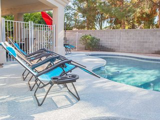 Luxe Chandler Home w/ Heated Pool!