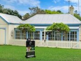 'Edge17 Cottage', vacation rental in Port Fairy