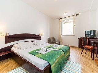 Villa Odak - One-Bedroom Apartment with Patio