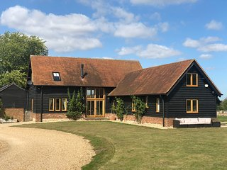 Stunning Country Barn on the edge of the Chilterns