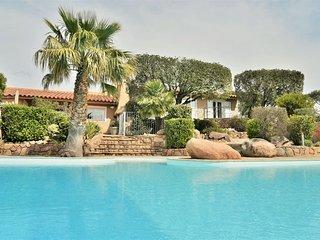 villa de grand standing pres de santa giulia avec piscine privee chauffee