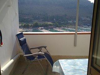 Amazing apt with sea view & balcony