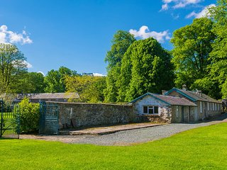 2 Bed Cottage with Mountain views, Glanusk Estate