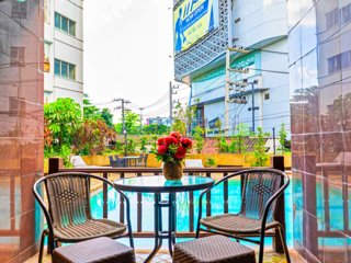 Direct Pool Access BIG 110sqm 3 beds Downtown!