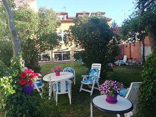 Beautiful apt with garden & Wifi