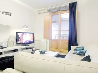 Beautiful Old Town Parking Wifi AC Heating Apartment