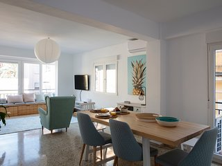 RENOVATED FABULOUS BEACH CITY APPARTMENT