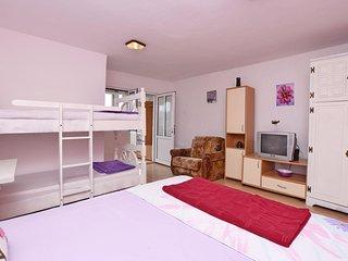 Apartments Siljak (64031-A5)
