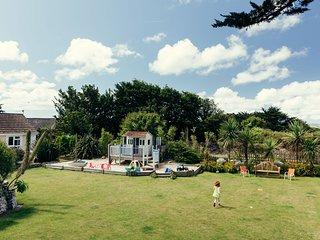 Meor, Sandbank - A beautifully refurbished family-friendly apartment that's idea
