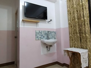 JB Valdres Apartment 2E - Affordable Stay near NAIA with FREE WIFI