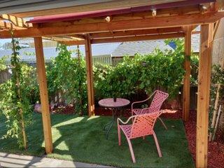 Napa Studio with French Grape Garden