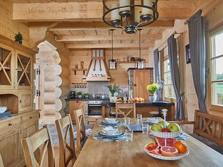 Luxury Mountain Style Villa near Zakopane - sauna, pool, jacuzzi and fireplace