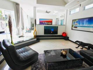 TJ Private Pool Villa & Beach, Parking+Wifi+Netflix+saltwater