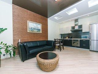 One bedroom. Luxe. 59 Zhylyanska St. Diplomat Hall