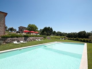 Colle Villa Sleeps 18 with Pool and WiFi - 5228913