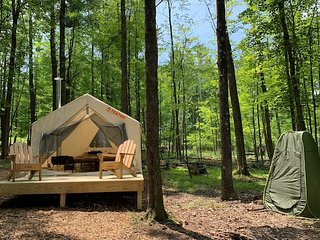 Tentrr - Woodstock's Dreamcatcher Cabana Campsite
