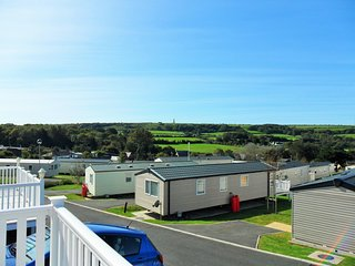Luxury 6 berth caravan in peaceful area close to beach and holiday facilities.