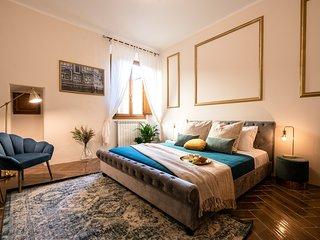 Florentine Palazzo - 3 bedrooms - Historic center