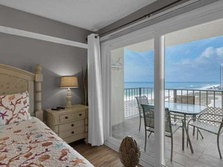 Gulf Front Master Bedroom - Sleeps 8 - WIFI Included! Located on Thomas Drive! R