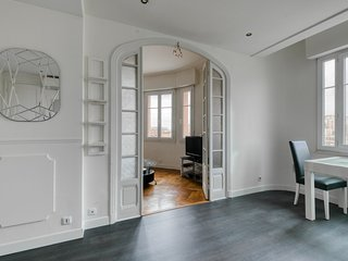**Spacious T2, near the Palais des Expositions**