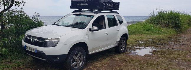 Dacia Duster aménagé tout confort pour 2 pers en autonomie, holiday rental in Sainte Marie