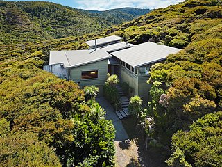 Sea of Green Lookout - Auckland Holiday Home, Abel Tasman National Park
