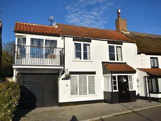 Briars - Reedham - Impressive Cottage Sleeps upto 10