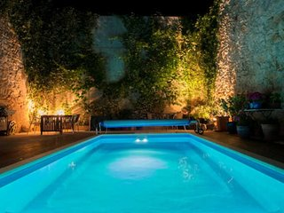 La Poste Gabian - Fabulous Townhouse near Pezenas with Pool
