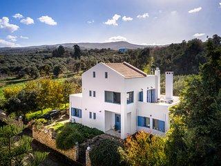 Beautiful Modern villa near Amenities,Excellent Views,Traditional village