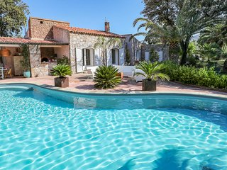 Amazing home in Montegrosso w/ Outdoor swimming pool, WiFi and 3 Bedrooms (FKO43