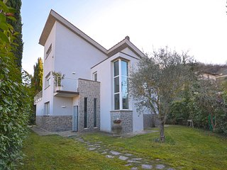 Amazing home in Sarteano w/ WiFi and 5 Bedrooms (ITS029)
