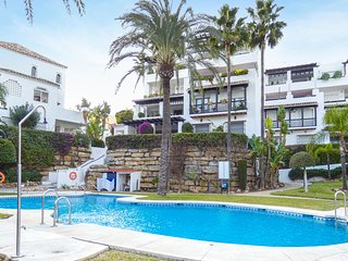 Stunning apartment in Mijas w/ WiFi, Outdoor swimming pool and 2 Bedrooms (EAS36