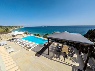 Beach Villa Quarda, Private Beach - Infinity Pool