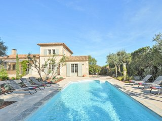 Nice home in Saint-Rémy-de-Provence w/ Outdoor swimming pool and 3 Bedrooms (FP