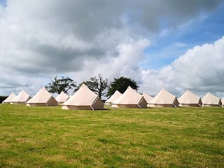 Luxury Bell Tent Sleeps 2 to 4 people