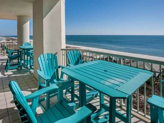 East corner Gulf-Front condo on 8th floor - expansive views | Pool, hot tub, Wif