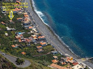 Sunny West BEACH HOUSE 50m from ocean! Sunniest warmest village in Madeira