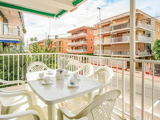 Beautiful home in Santa Pola w/ 3 Bedrooms (EBI075)