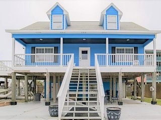 Avery's Abode Newly Remodeled Beach Home