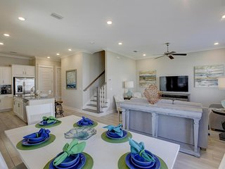 Prominence on 30A ♥ The Starfish ♥ Includes Golf Cart!