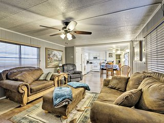 NEW! Granbury Getaway Walking Distance to the Lake