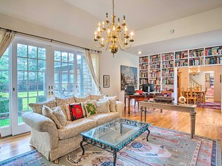 NEW! East Hampton Family Getaway ~2.5 Mi to Beach!