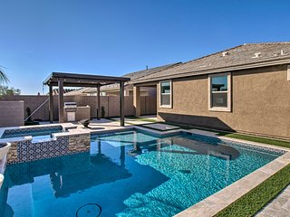 Cave Creek Desert Hideaway w/ Pool - Pets Welcome!