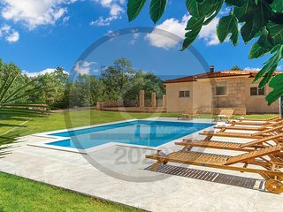 Nice home in Kamenmost w/ Outdoor swimming pool and 3 Bedrooms (CDC546)