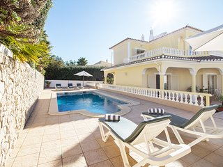 Casa Camarinha, Portuguese villa for 10 persons with private pool