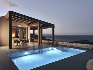 West villa, private pool, amazing view!