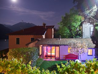 HOLIDAY VILLA WITH JACUZZI AND DEPENDANCE IN ARGEGNO, LAKE COMO