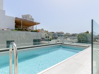 SHENKIN STREET - PIECE OF PARADISE - STUNNING PENTHOUSE PRIVATE SWIMMING POOL